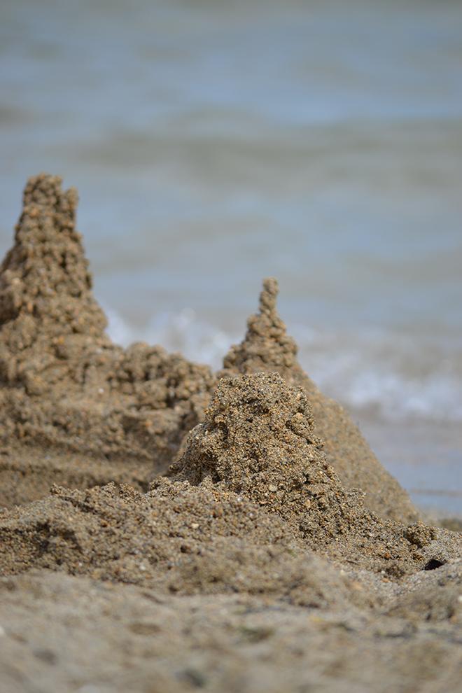 Csorgatott homokvár. Nin-i homokos tengerpart/Fotó: Myreille