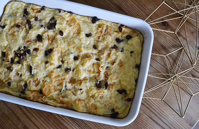 Vaníliás-mazsolás kenyérpuding a tökéletes hygge hangulathoz/Fotó: Myreille