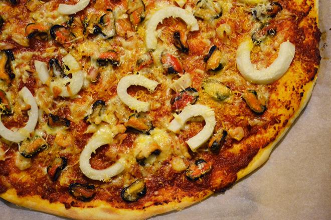 """Tengeri herkentyűs pizza a """"Rozsdás Rákollóból""""/Fotó: Myreille"""