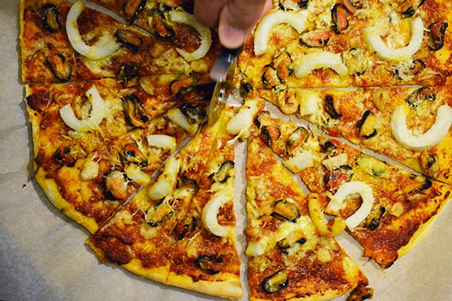 Tenger gyümölcsei pizza/Fotó: Myreille