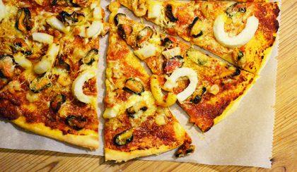 """Tengeri herkentyűs pizza a """"Rozsdás Rákollóból"""""""