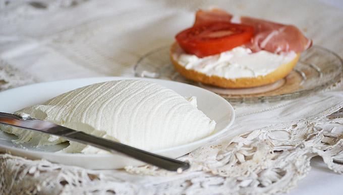 Labna: a világ legfinomabb friss sajtja joghurtból