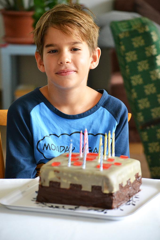 Zsombi 10 éves - minecraft cake a szülinapi torta