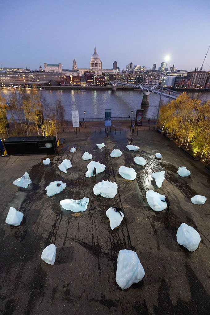 Ice Watch by Olafur Eliasson and Minik Rosing. Supported by Bloomberg. Installation: Bankside, outside Tate Modern, 2018