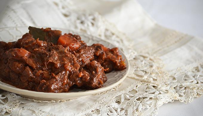 Vörösboros marhapörkölt, avagy a beef bourguignon egyszerű receptje/Fotó: Myreille