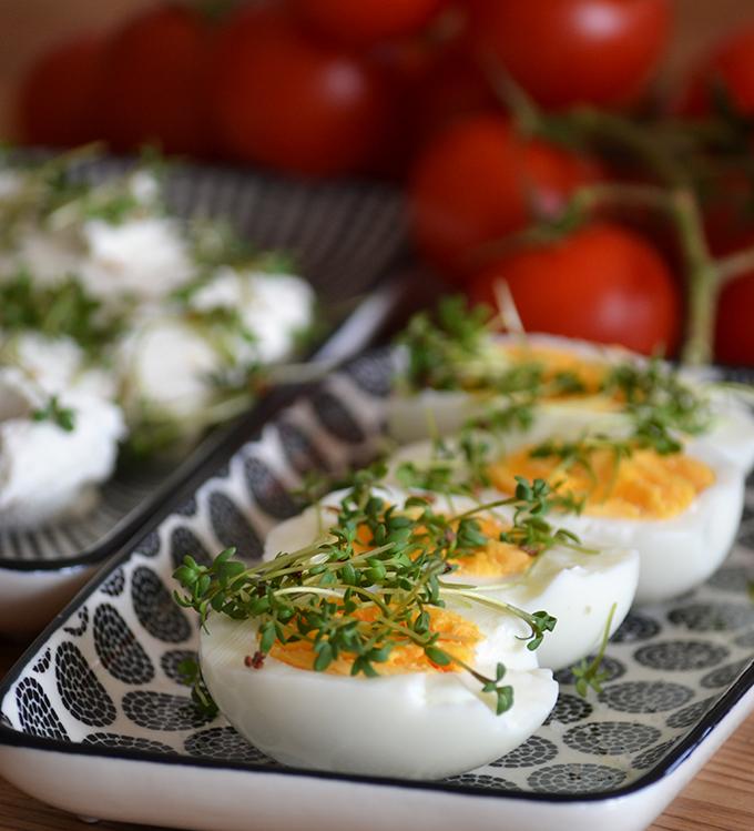 Tökéletes tavasz: labneh, tojás és kerti zsázsa/Fotó: Myreille