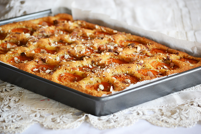 Sárgabarackos pite mandulával (Egyszerű, gyors, finom)