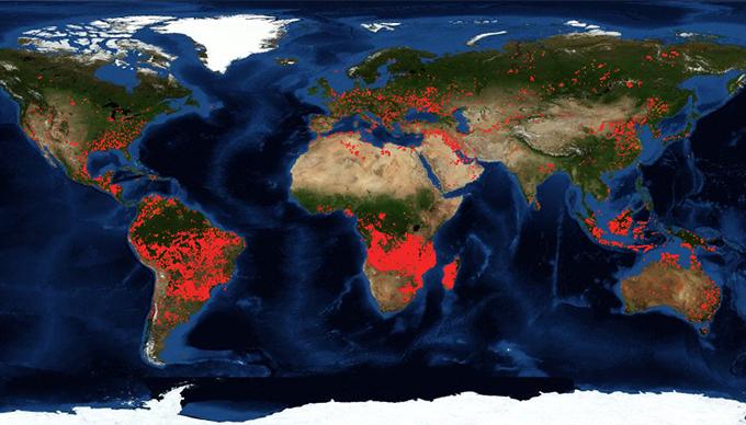 Kép forrása: NASA - https://firms.modaps.eosdis.nasa.gov/map/ 2019.08.31.