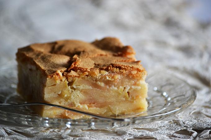 Légiesen könnyű és nagyon gyümölcsös: almás piskóta/Fotó: Myreille