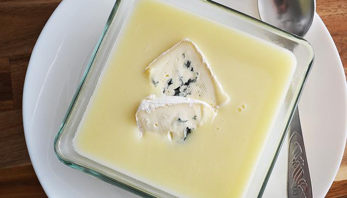 Téli kedvenc: Fehérrépa-krumpli krémleves kéksajttal/Fotó: Myreille, 2020