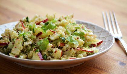 Almás-szárzelleres quinoa saláta – variáció Yotam Ottolenghi receptjére