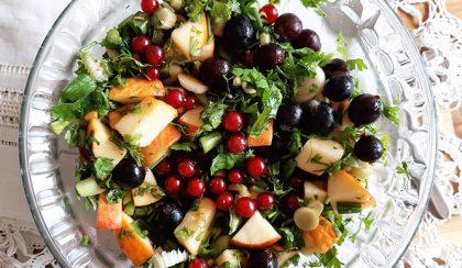Őrült jó nyári alma-zeller saláta: pikáns és csípős