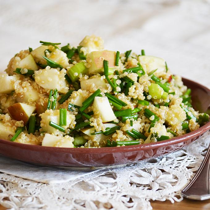 Őszi alma-zeller quinoa saláta chilivel és snidlinggel/Fotó: Myreille