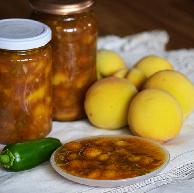 Őszibarack chutney jalapeno-val és kínai ötfűszerrel/Fotó: Myreille