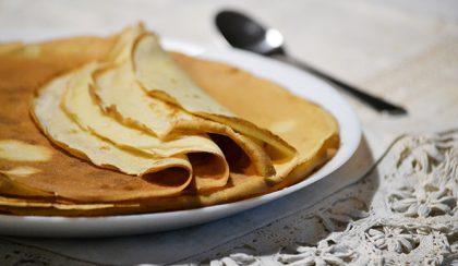 My kids' favorite dessert: Hungarian pancake (Palacsinta)