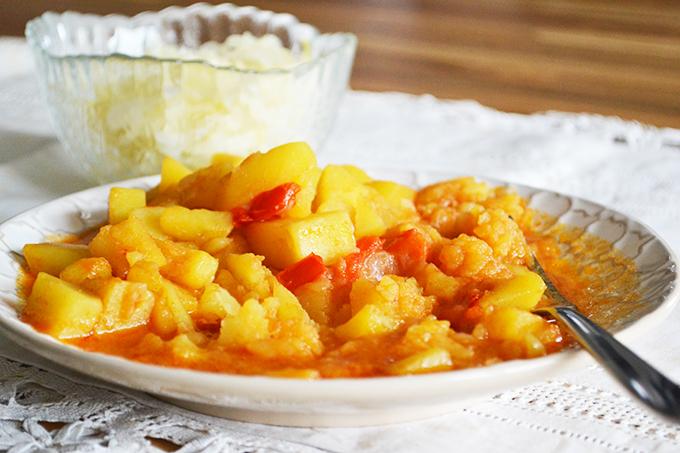 Vegetarian Hungarian Potato Paprikash/Photo: Myreille