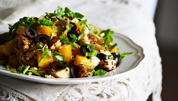Narancsos-fekete olívabogyós quinoa saláta/Fotó: Myreille