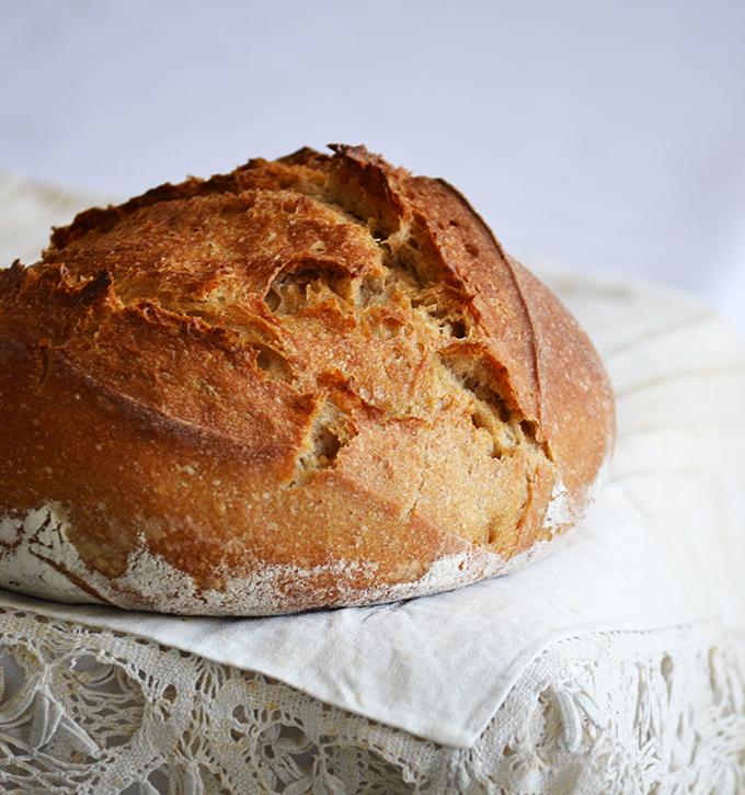 Kenyér 3 nap alatt. 40% rozslisz, 60% búzaliszt, gyorskovásszal. (Életem első elragadóan szép kenyere.) /Fotó: Myreille