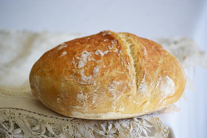 Élesztős kenyér csak vízzel és 25-25 perc sütéssel/Fotó: Myreille
